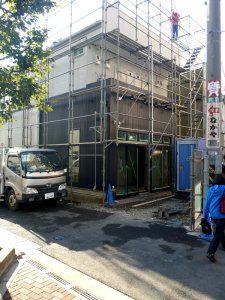 建築中の賃貸アパート(裏)