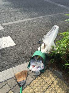 川口市の弊社近隣をスタッフ達と近隣清掃