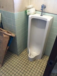 リフォーム前のトイレ(小便器)