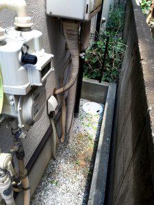 エコキュートを置く前のガス給湯器