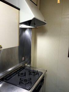 キッチンリフォーム後のガスコンロとレンジフード