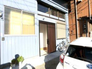 リノベーション後の玄関。一本引きの玄関となっており、スペースが有効に使える。