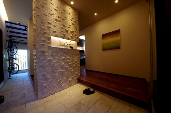 ショールームの玄関内