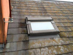 再塗装前の屋根。