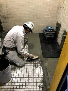 コンクリで床を埋める