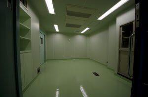 クリーンエアコンを装備した手術室。