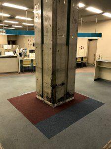 記入台がなくなった後のは柱は非常に汚れが目立つ状態であった