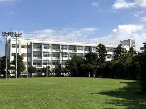 川口市立北中学校の外観