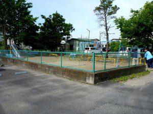 公園のフェンスを全体的に塗装し直した