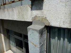 エポキシ樹脂で形成した後の柱亀裂もなくなりコンクリートの剥落もなくなった