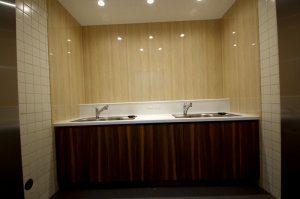 リフォーム後の給湯室は非常にシンプルでお洒落な空間となった。